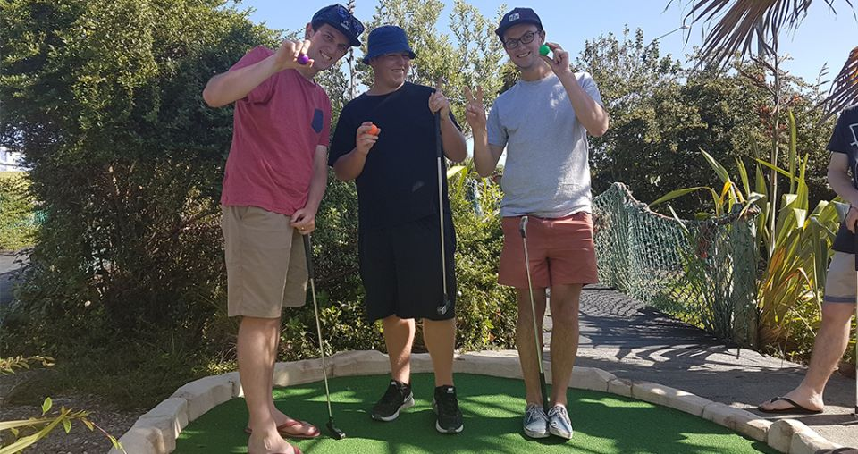 Duo vow to beat their greens