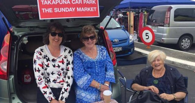 Thousands sign to save their Sunday market